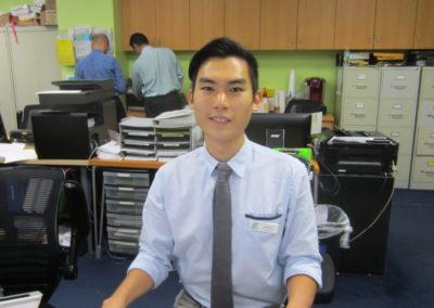高木さんという日本人のスタッフさんが受付にいらっしゃいます