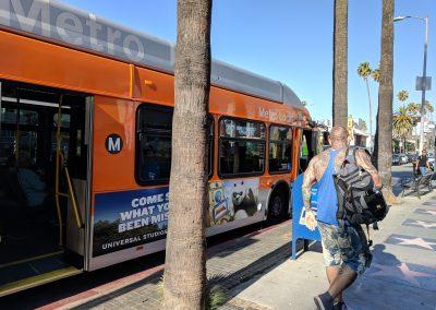 学校前のバス停